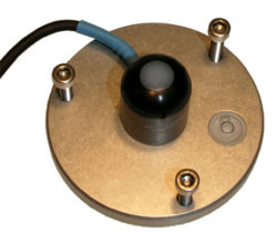 QSO-S sensor on levelling plate